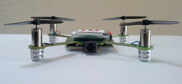 Mini Quadrocopter auf Verfolgungsjagdt -