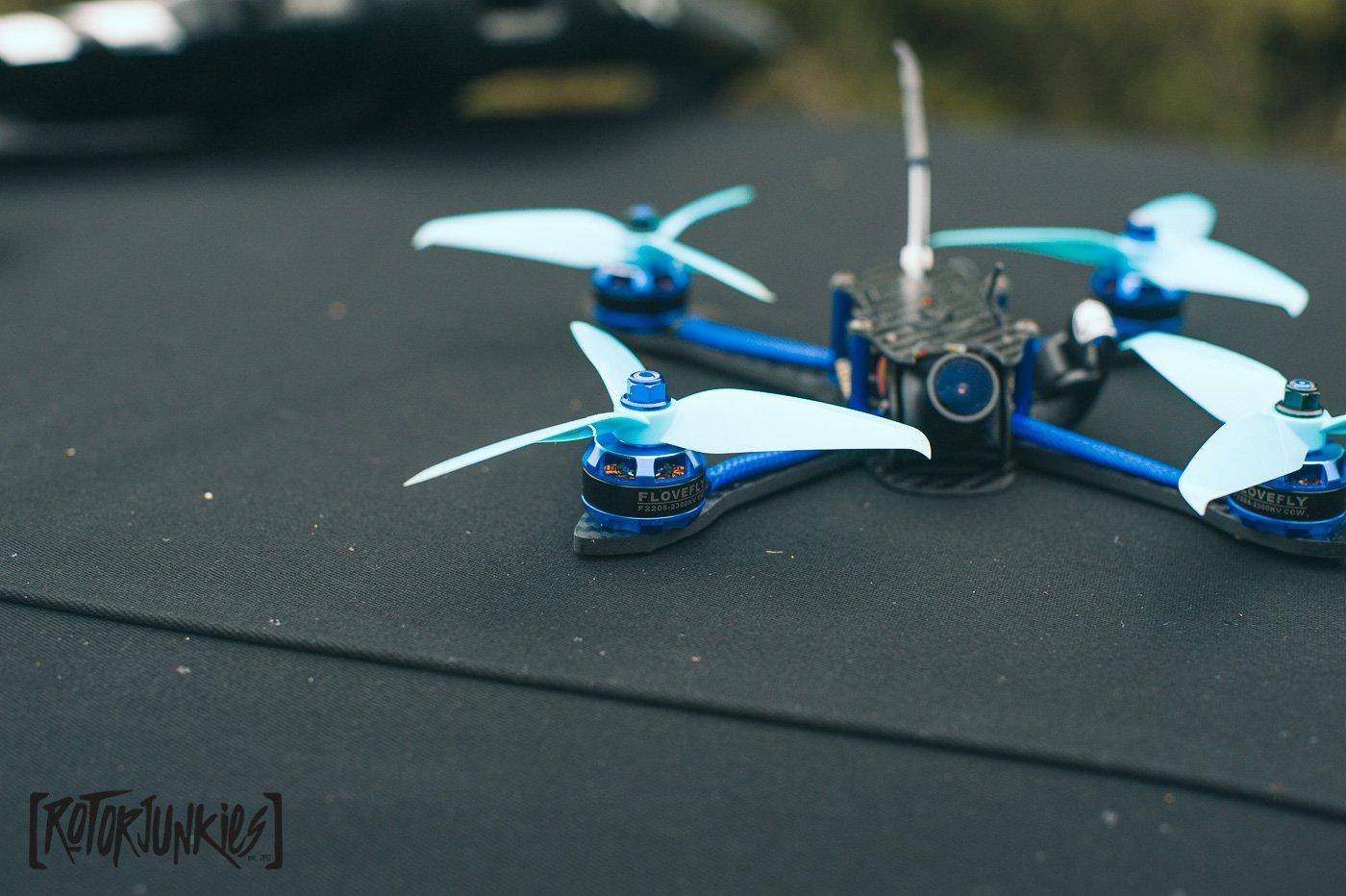 BFight 210mm FPV Racer - wie gut fliegt ein fertiger Copter für 120 EUR? -