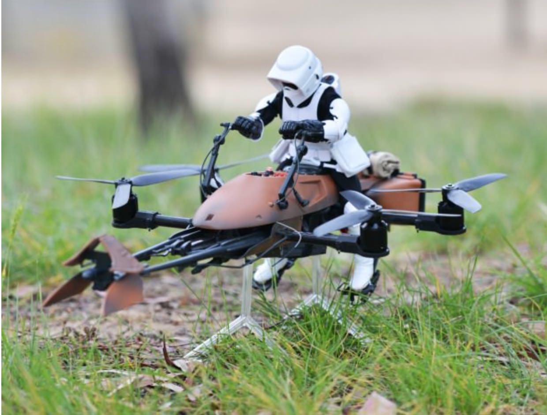 Star Wars Speeder Bike als Quadrocopter -