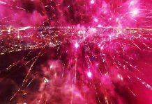 DJI Phantom filmt Feuerwerk von oben und mitten drin