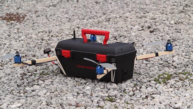 fliegender Werkzeugkoffer -