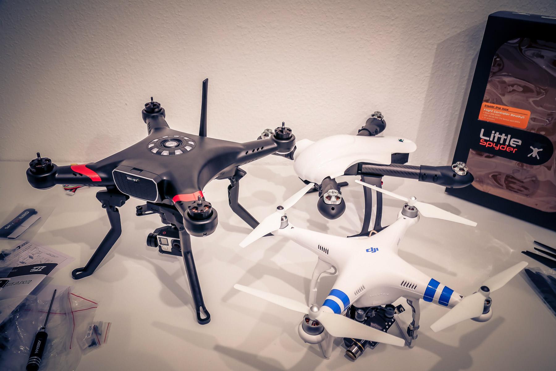 quadrocopter auf rechnung kaufen die top 5. Black Bedroom Furniture Sets. Home Design Ideas